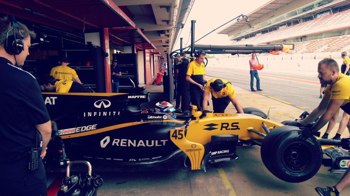 Nicholas boosted by test in 2017 Renault Sport Formula One Team car