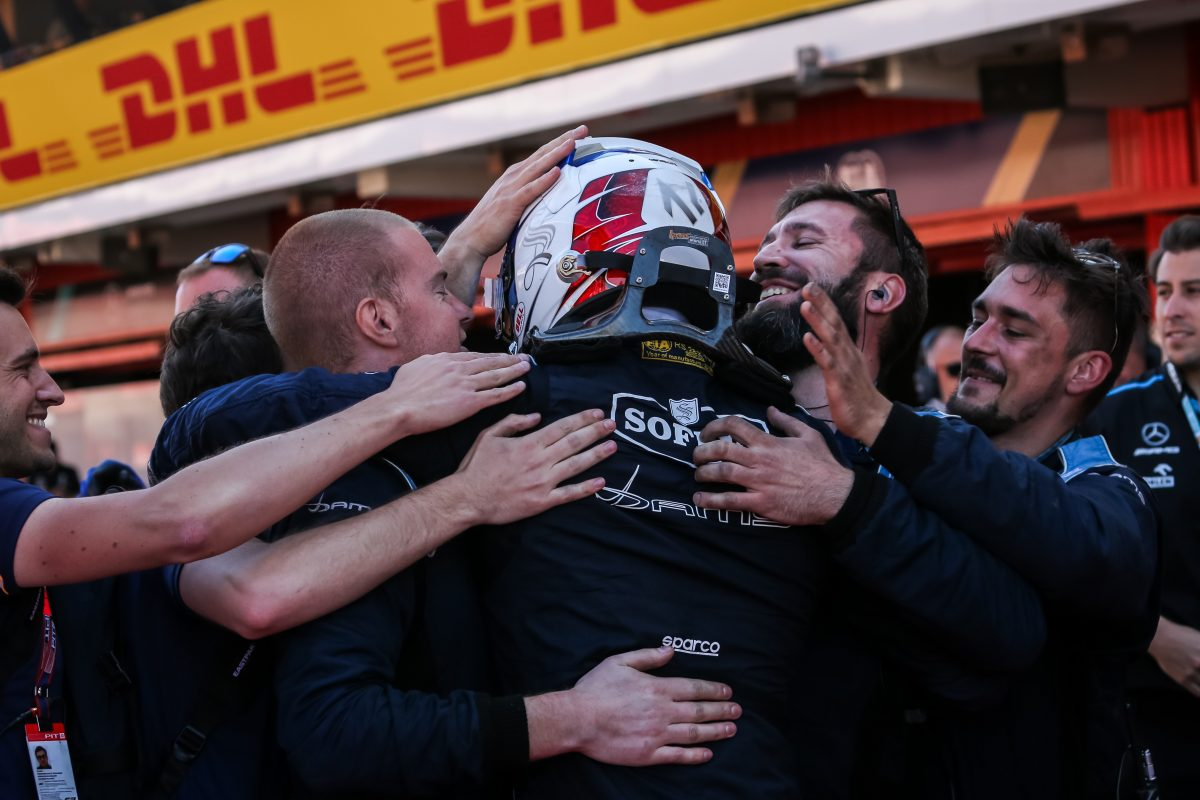 Latifi extends F2 title lead with victory in Spain